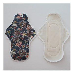hannahpad-medium-cloth-pad-open